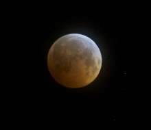 Eclipsed moon from Headlands